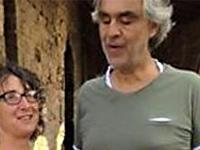 Bocelli a sorpresa per gli sposi - guarda il video